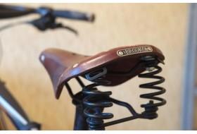 Велосипедные седла Brooks - лучшее седло для поездок на дальние расстояния и по городу.